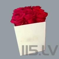 Skaistas, sarkanas rozes kastē, 9 gabalas, 50cm garas