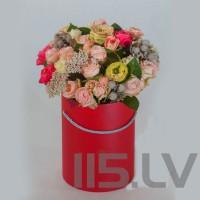 Rožu Mix, cilindra cepuru kastē,